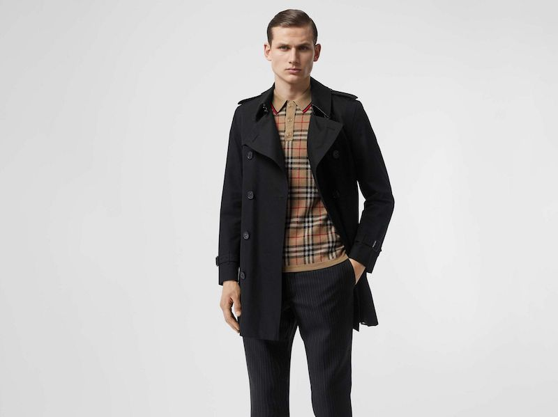 Burberry iconic trench coat in black