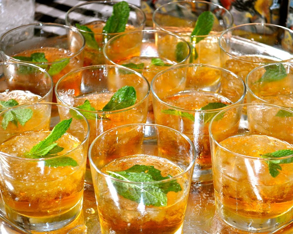 mint julep cocktails