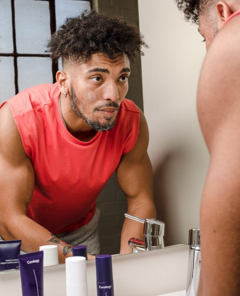 20 Best Face Wash For Men To Instantly Refresh Your Skin