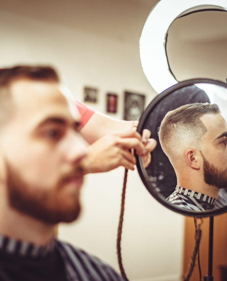 15 Short Haircuts For Men To Fit Any Face Shape