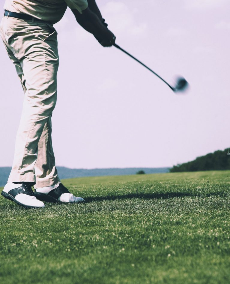 20 Men's Golf Shoes To Get That Hole-In-One