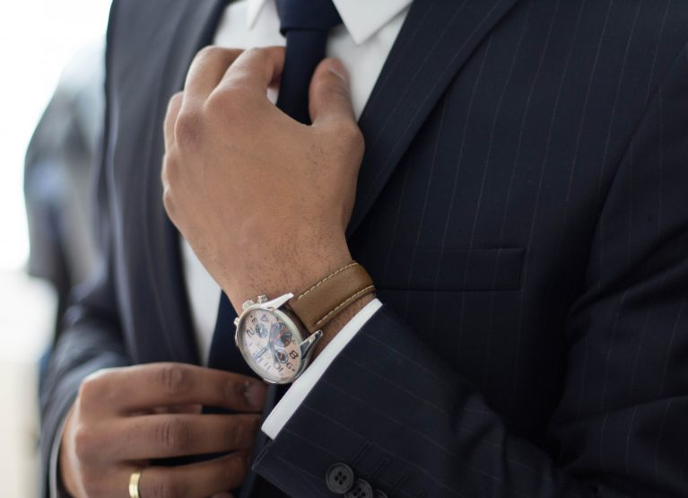 How To Wear A Watch With Style: An Ultimate Guide