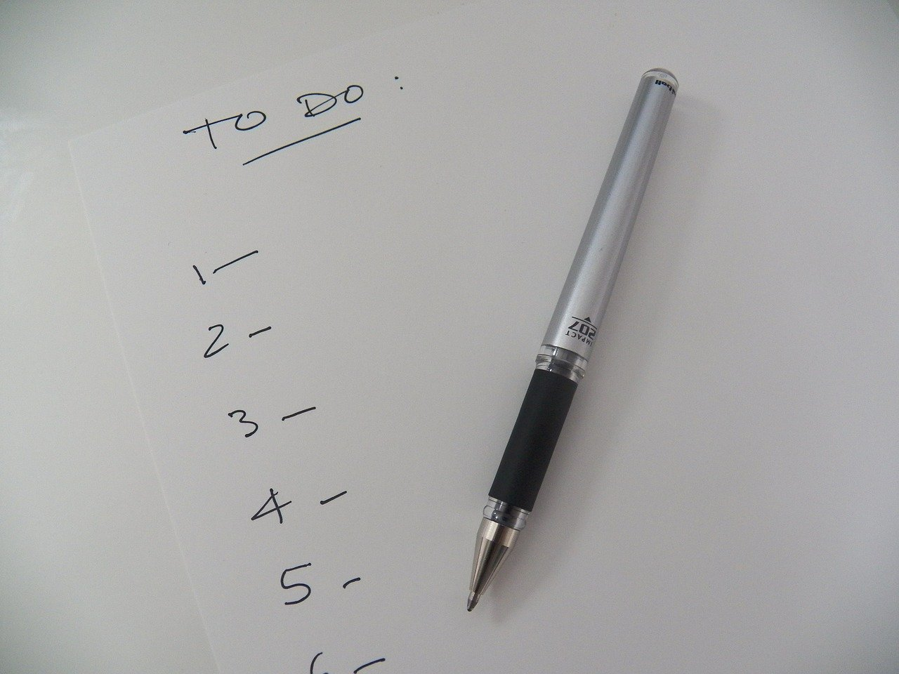 numbrered to-do list on a piece of white paper