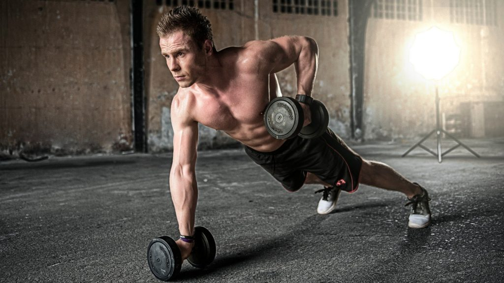 Renegade rows for your HIIT workouts