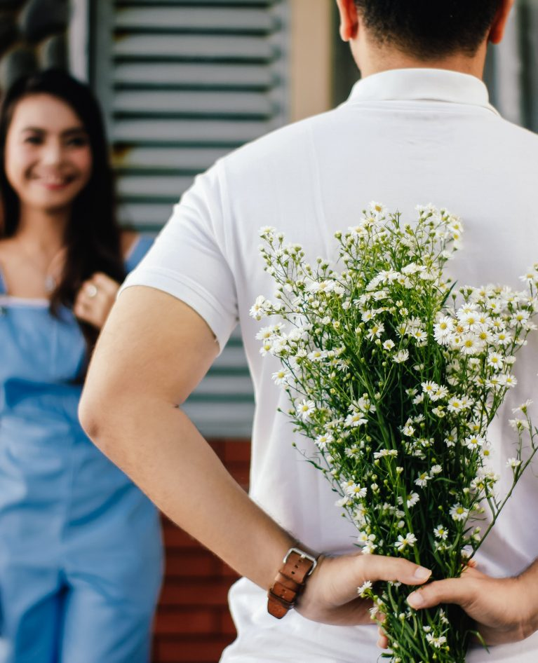 24 Best Tips on How to Ask a Girl to Be Your Girlfriend